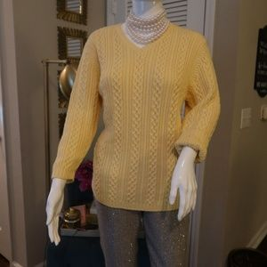 LANDS' END ribbed V-Neck yellow sweater sz M